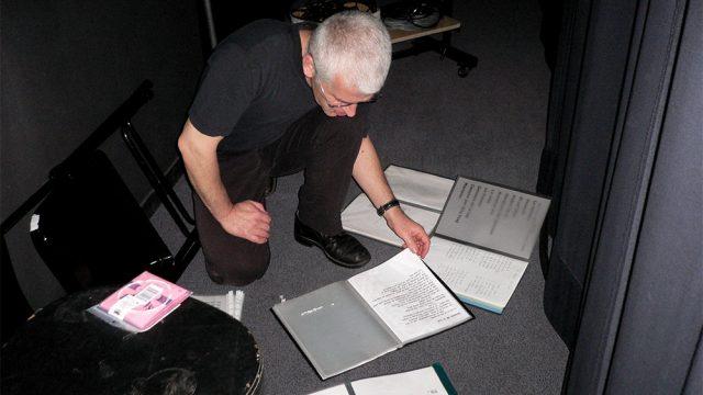 Éric Fraj se préparant pour le concert