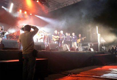 Tous sur scène